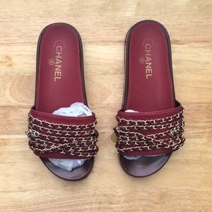 Shoes - Burgundy & Gold Chain Slides